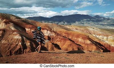 beau, énorme, femme, touriste, short, jeune, 50, manteaux, canyon, bord, rouges, fps, promenades, long, vent, chemise