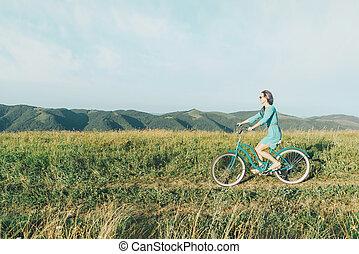 beau, équitation, femme, robe, bicycle.
