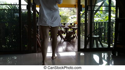 beau, été, marche, femme, toile, ordinateur portable, jeune, ensemble, terrasse, surfer, dehors, utilisation, couple, homme