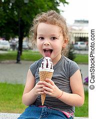 beau, été, peu, mange, glace, girl