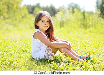 beau, été, peu, séance, ensoleillé, portrait, girl, herbe, jour