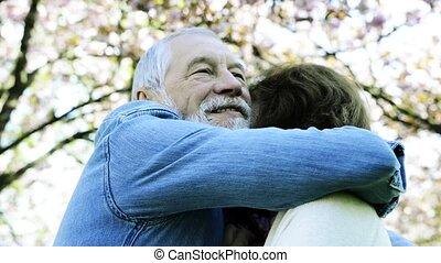 beau, amour, printemps, couples dehors, personne agee,...