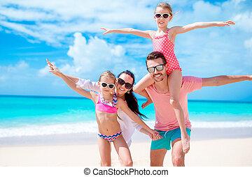 beau, amusement famille, plage blanche, avoir, heureux