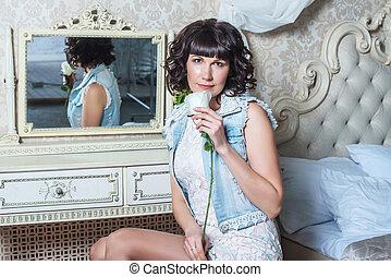 beau, assaisonnement, séance femme, chambre à coucher, jeune, miroir, table