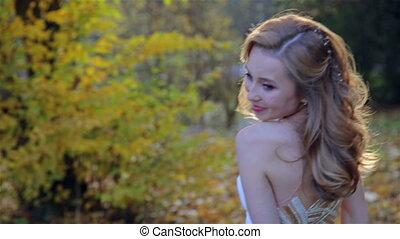 beau, automne, femme, dans, doré, parc