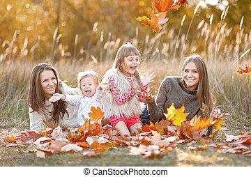 beau, automne, portrait famille