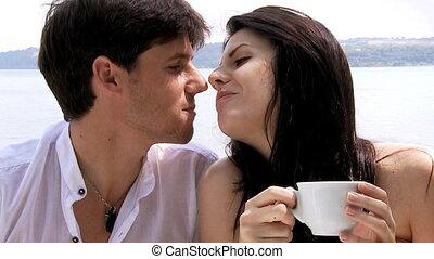 beau, baisers, couple, heureux