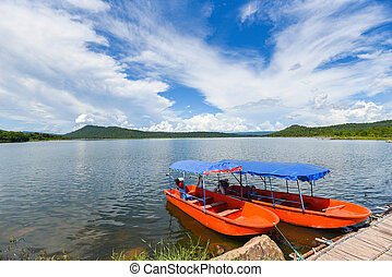 beau, bateau, thaïlande, -, montagne, eau, paysage, bleu, petit, pêcheur, île, port, bateaux, nuages, plastique, ciel, iver, fond