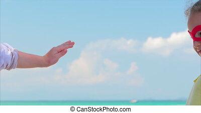 beau, bleu, peu, superhero, fond, haut, habillé, hero., ciel, manteau, clouds., déguisement, cinq, mer, portrait, fin, girl, masque, rouges, donne