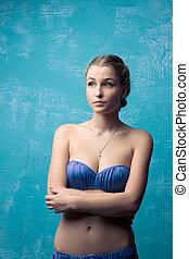 beau, blond, dans, bleu, maillot bain