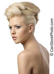 beau, blond, femme, à, style cheveux, tourné, de, trois, quarts
