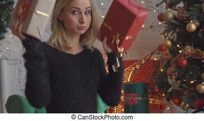 beau, boîte, femme, cadeau, séduisant, noël