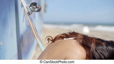 beau, bord mer, femme, brunette, jeune