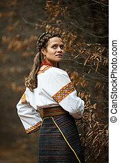 beau, broderie, ukrainien, parc, arbres, automne, mariée, fond, complet, indigène