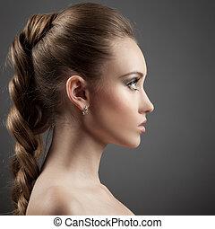 beau, brun, femme, longs cheveux, portrait.