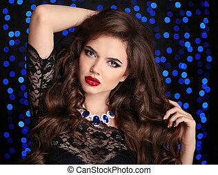 beau, brunette, sur, makeup., cheveux, lèvres, mode, girl, bleu, style, bouclé, arrière-plan., boker, long, lumières, rouges, jewelry., femme, sombre, portrait., sexy, sain, modèle