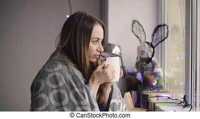 beau, café, femme, thé, regarder, fenêtre, maison, boire, ou