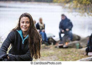 beau, camping, femme, jeune