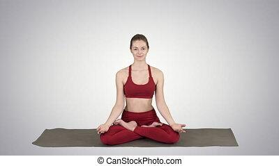 beau, changer, femme, yoga, elle, séance, lotus pose, jeune, gradient, arrière-plan., mains, position