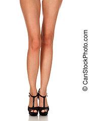 beau, chaussures, isolé, long, noir femelle, fond, blanc, jambes
