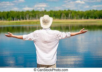 beau, chemise, nature, dos, lac, homme, blanc, apprécier, chapeau, vue