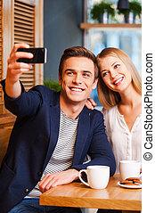 beau, clair, couple, moments., jeune, téléphone, quoique, autre, capturer, intelligent, chaque, aimer, confection, café, selfie, liaison, homme