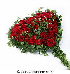 beau, coeur, feuilles, entouré, roses, lierre, rouges