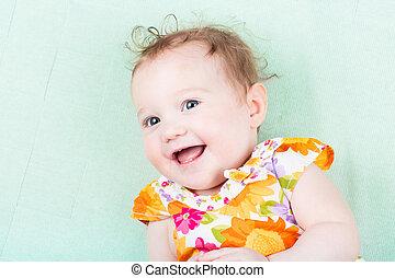 beau, coloré, bébé, rire, floral, girl, robe