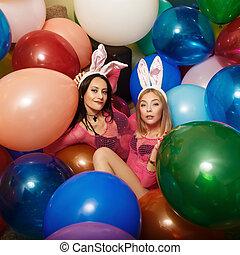beau, coloré, deux, lesbiennes, lapin, balls., oreilles