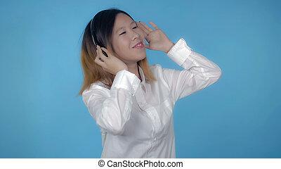 beau, coréen, écouteur, usage, femme