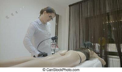 beau, corps, brunette, délassant, incroyable, processus, jeune, amaigrissement, clinique, ultrasonique, skincare, spa, apprécier, technologie