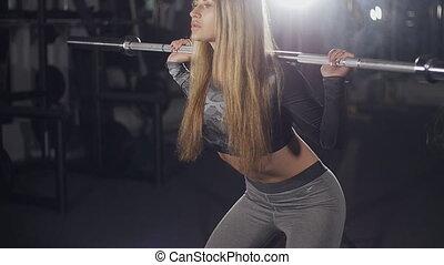beau, corps, femme, athlétique, jeune, barre disques, exercices