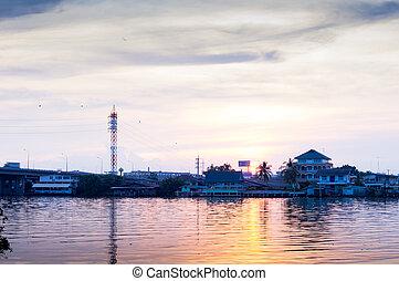 beau, coucher soleil, dans, maeklong, rivière