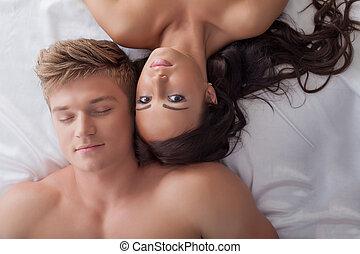 beau, couple, jeune, lit, hétérosexuel