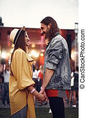 beau, couple, regarder, autre, chaque, sourire, aimer