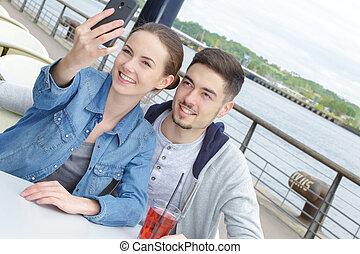 beau, couple, selfie, jeune