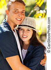 beau, couples adolescence, jeune, étreindre
