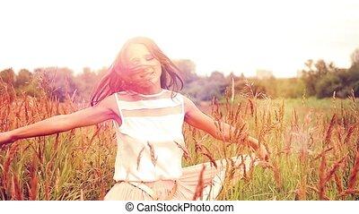 beau, courses, femme, pré, jeune, rotation, fleur, coucher soleil, rire, temps, heureux