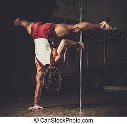 beau, danse, exécuter, poteau, mouvements, homme