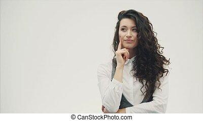 beau, debout, gros plan, brunette, bouclé, business, haut, long, jeune, hair., portrait, woman., surpris