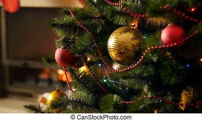 beau, doré, célébrations, hiver, coloré, garlands., métrage, pendre, arbre, fetes, decoraetd, lumières, incandescent, closeup, 4k, fond, parfait, noël, rouges, babioles