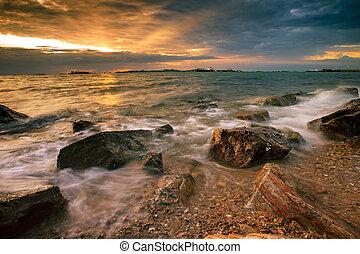 beau, ensemble, oriental, soleil, ciel, côte, chonburi, mer, laem, thaïlande, chabang