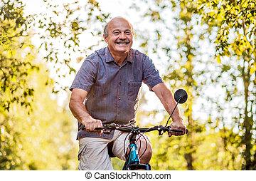 beau, ensoleillé, parc, joyeux, équitation vélo, personne agee, jour, homme