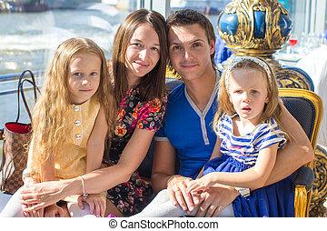 beau, famille, restaraunt, charmer, quatre, portrait