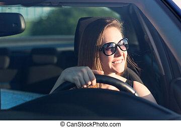 beau, femme affaires, conduite, voiture
