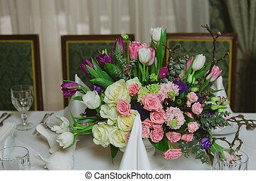beau, fleurs, sur, table