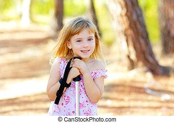 beau, forêt parc, fille souriant, gosse
