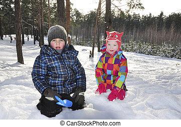 beau, garçon, neige-couvert, hiver, forest., girl