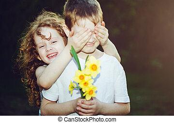 beau, garçon, yeux, sien, instagram, elle, couverture, bouquet, main., filter., boyfriend's, girl, fleurs, modifié tonalité