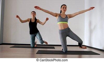 beau, genoux, elle, athlétique, pilates., bred, deux, jeune...